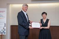 Professor Wagner present souvenir to Professor Chen